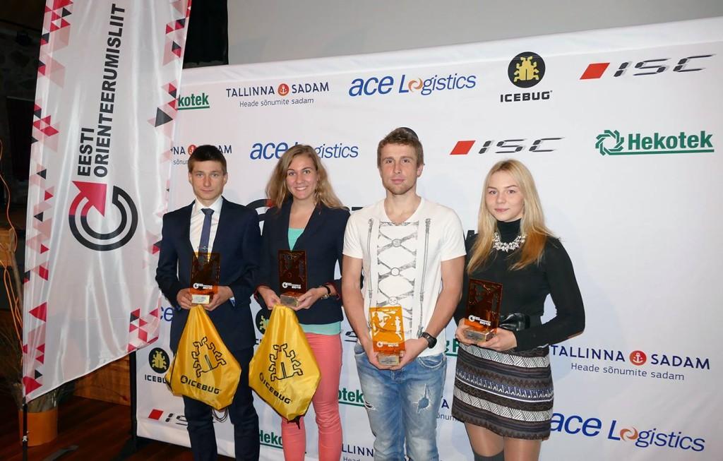 2015. aasta parimad - parim meesorienteeruja Timo Sild (vasakult), parim naisorienteeruja Evely Kaasiku, parim rattaorienteeruja (Lauri Malsroos) ja parim suusaorienteeruja (Doris Kudre)